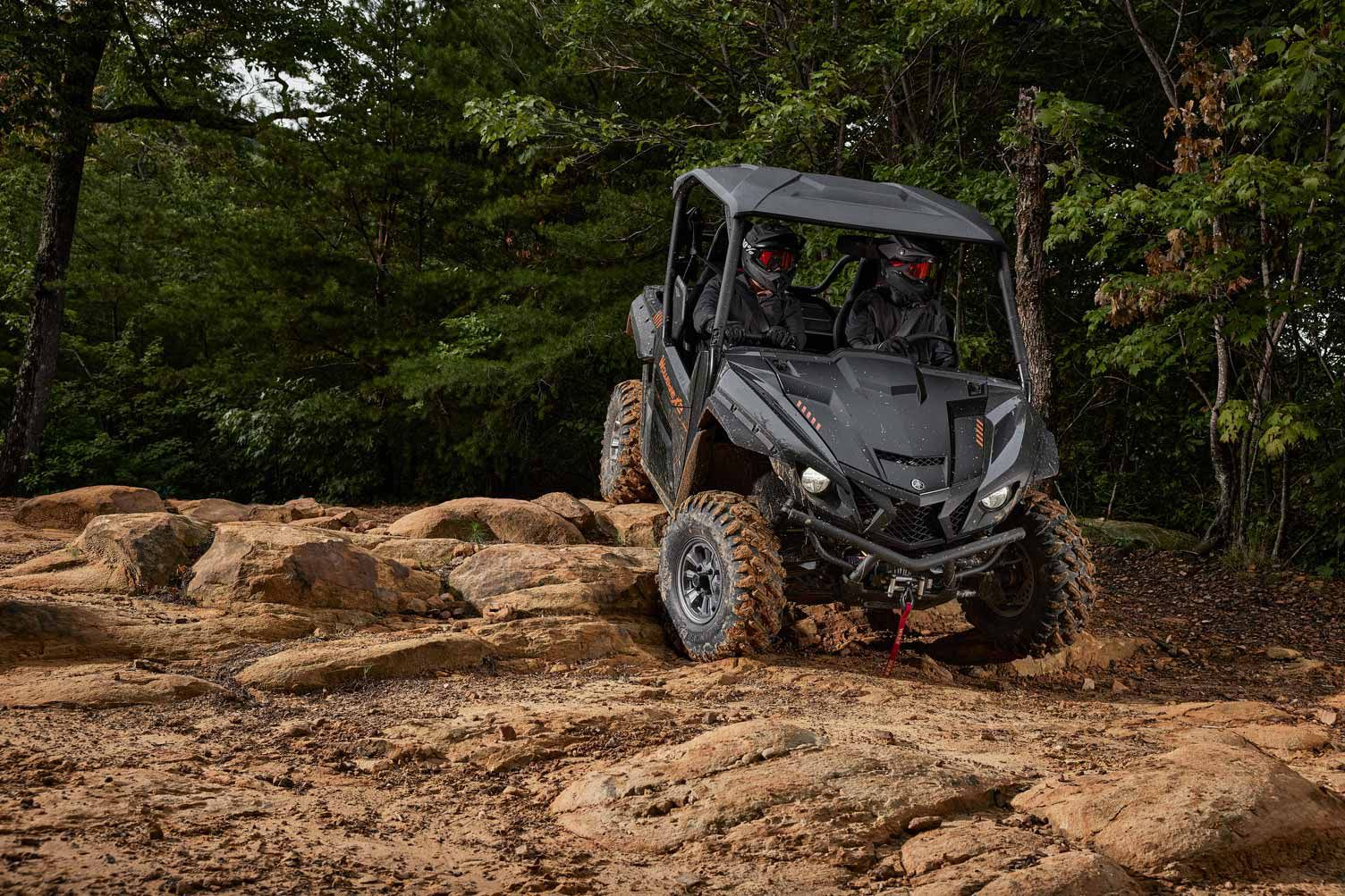 The 2022 Yamaha Wolverine X2 XT-R now comes with a center rearview mirror, a suntop, and a Warn VRX 4500 winch.