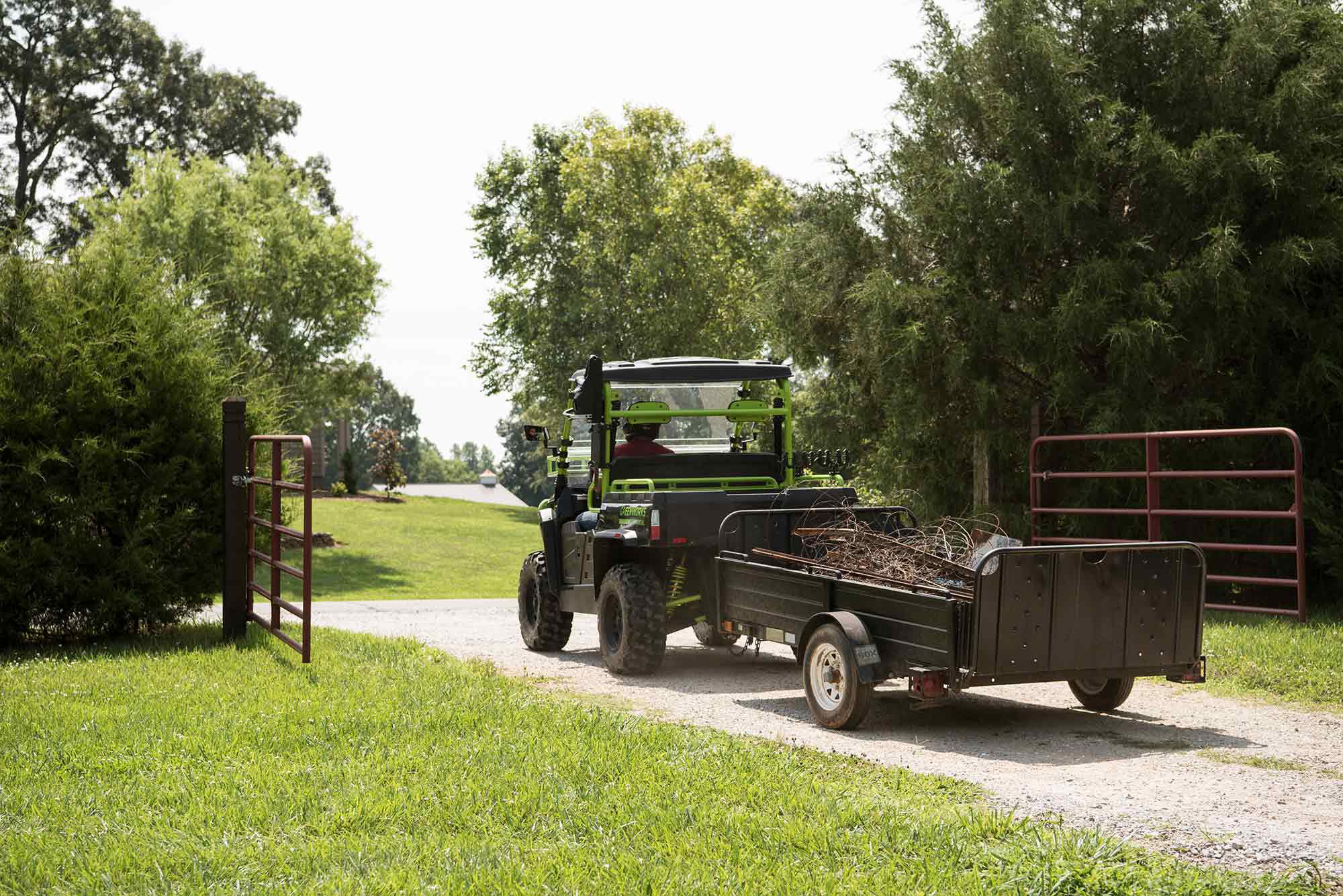 The Greenworks U800 can tow an impressive 1,500 pounds.