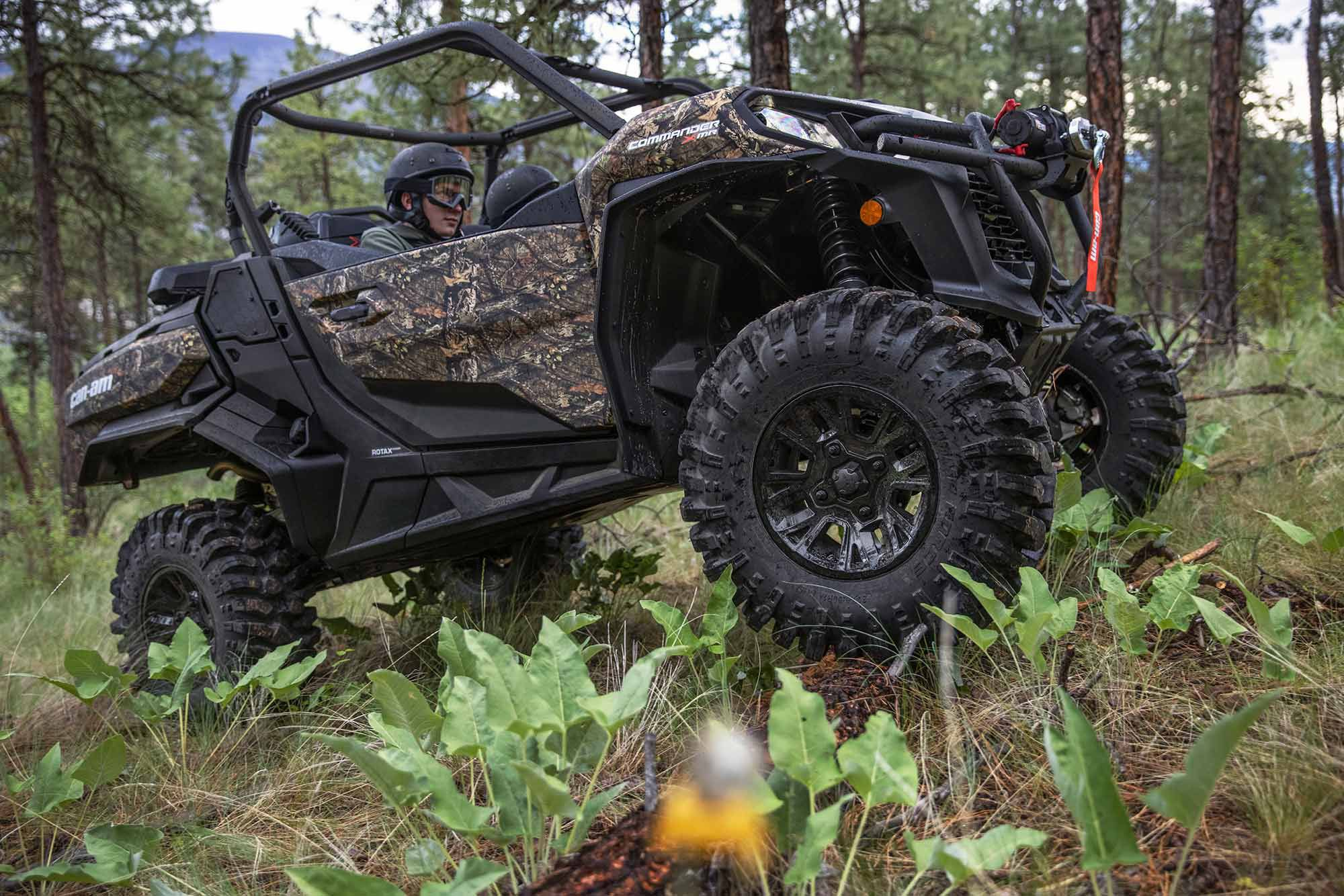 With 100 hp under your right foot, the Commander X MR will be more than entertaining on any terrain.